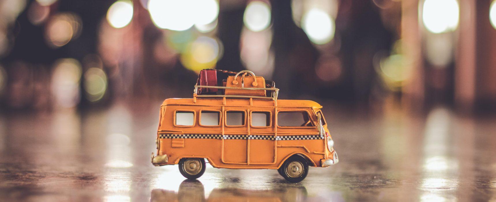 Packe deinen Koffer für die kommenden Ferienaktivitäten