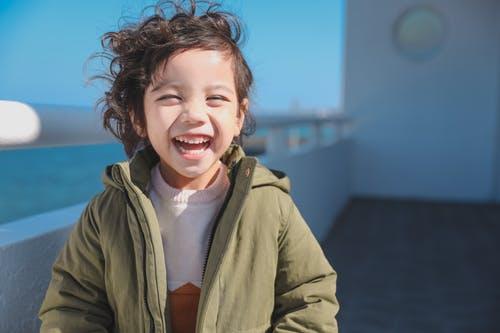 Alle arbeiten wir für ein Ziel: viele glückliche und lachende Kinder.