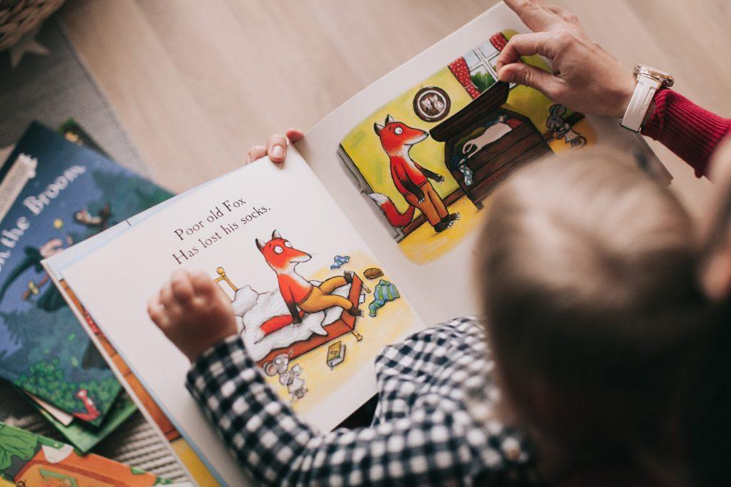 Das Vorlesen hat nicht nur einen positiven Einfluss auf die Entwicklung der Kinder, auch die gemeinsame Zeit ist sehr wertvoll.